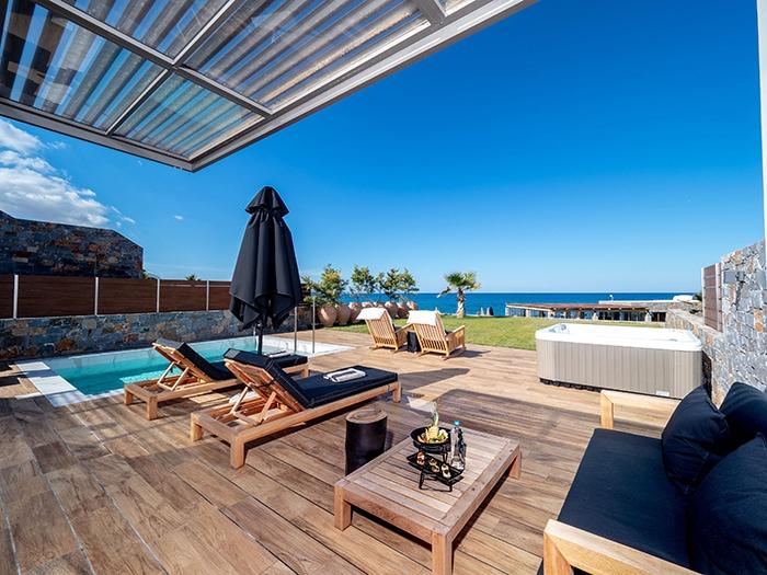Doppelzimmer mit Privatpool ab 1245€ - Abaton Island Resort & Spa